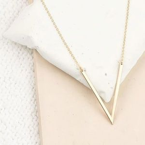 Jewelry - Elegant Gold V Pendant Necklace